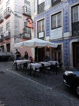 Versículo do Faia: Facciata del piccolo ristorante.