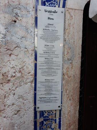 Versículo do Faia: Menù esposto all'esterno del locale.