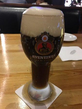 LENBACH Restaurant & Bar: 0.5L Marzen!  Nice and cold!