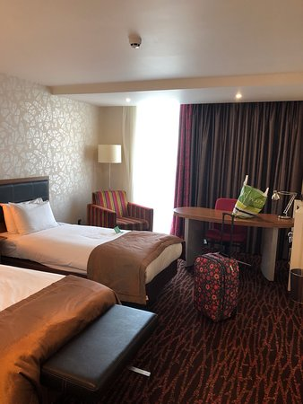 Fantastic hotel - CBEEBIES tour, Coronation street tour on the doorstep, tons of bars and restaurants, 4 mins walk from tram into the city.  Stayed here w my daughter and it was lovely - friendly staff, spotless hotel and could not fault anything  thank you - we will be back !