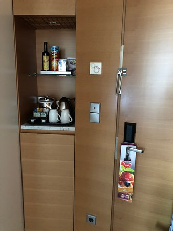 Hilton Athens: In room mini bar and coffee station