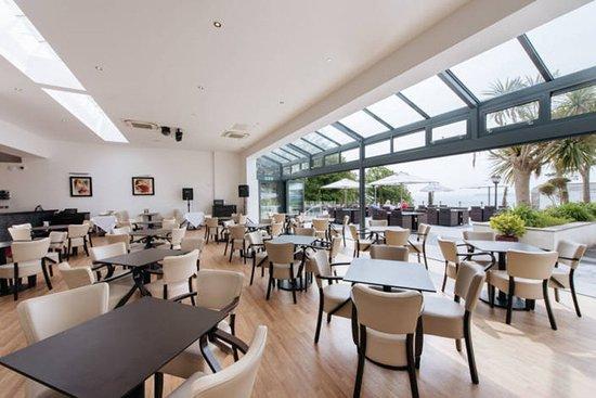 The Headland Hotel & Spa: Bar/Lounge