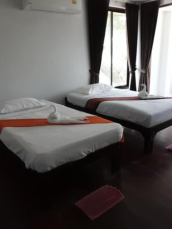 Hua Thanon Beach: our room begin 333-999 for one night one person