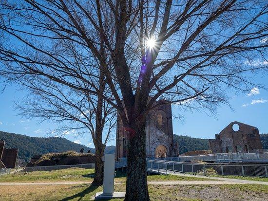 Blast Furnace Park: The Lithgow Blast Furnace scenery makes a peaceful