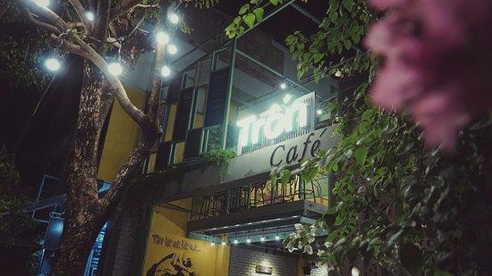 Tron Ca Phe: Trốn's name
