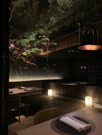 restaurant惠-kei- 御食事は日本料理をベースに土地の恵みを生かした料理をご堪能いただきます。