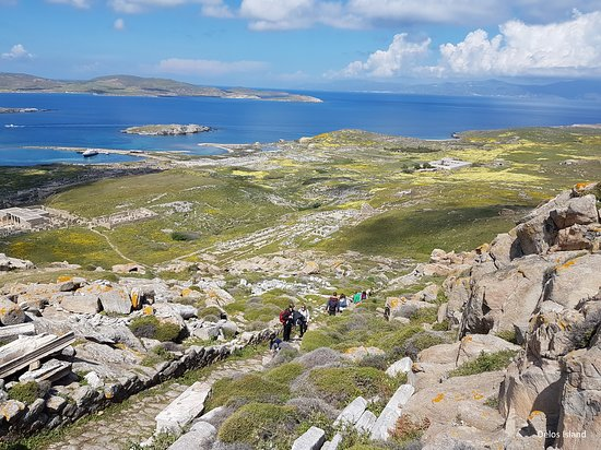 Delos Tour: Aerial view from the peak at Delos