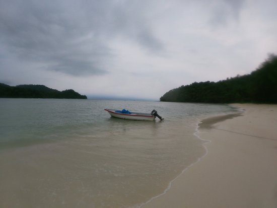 Langkawi, Malasia: Charter a private boat to a remote island, and get lost for a while!