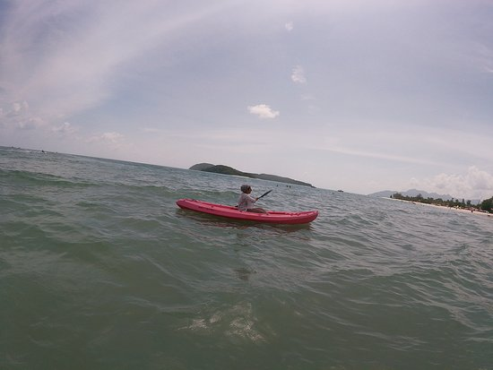Langkawi, Malasia: So much fun sea kayaking last week!!! To top it off, it was so easy, and the weather was great!!