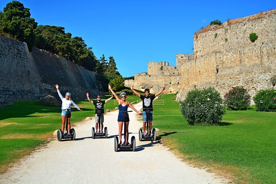 Rhodes by Segway: The moat on Segway!!!