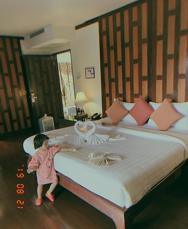 Find a fantastic experience for your kids and the wonderful family time together at Baan Yin Dee Boutique Resort!  Book your stay: www.baanyindee.com 📧 reservations@baanyindee.com ☎️ 076 364 591 -------------------------- #baanyindee #luxury #BYD #patonghotel #phiphi #jamesbond #patongbeach #phukethotel #beachdestination #event #familyhotel #coupletravelers #friendlyhotel #Ricerestaurant #phuket.net