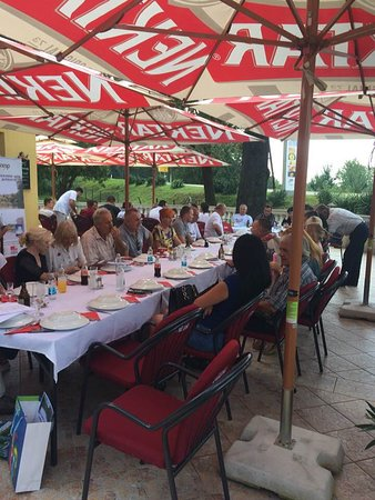 Restaurant 'Old Oak' :: Restoran 'Stari Hrast', Bosanski Luzani bb, Derventa