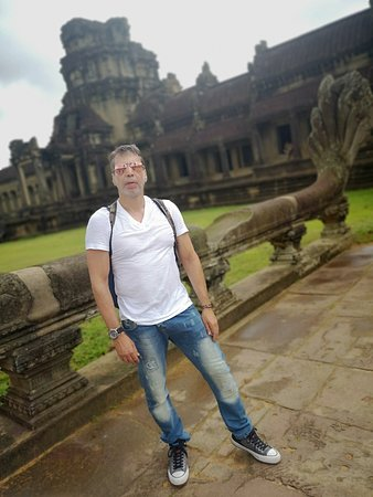Sunrise Small-Group Tour of Angkor Wat from Siem Reap: Amazing tour!!!