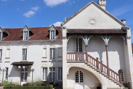 William Fevre Grands Vins De Chablis: 素晴らしく広い