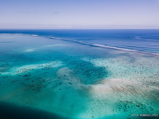 Full-Day Moorea Cultural Tour: From the sky (using my drone) the water colors are just amazing!