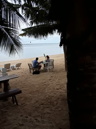 Hua Thanon Beach: lunch time