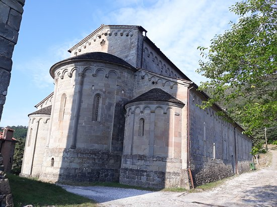 Castelvecchio, Italia: vista posteriore e abside