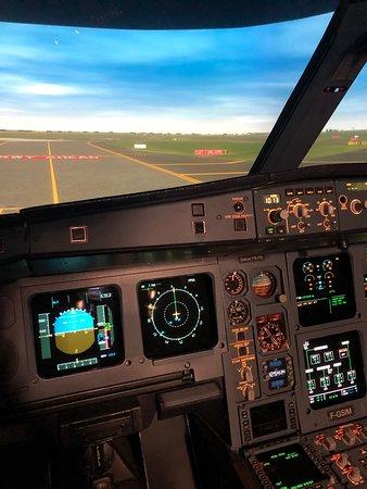 Full Flight Simulator Paris (Roissy-en-France) - UPDATED