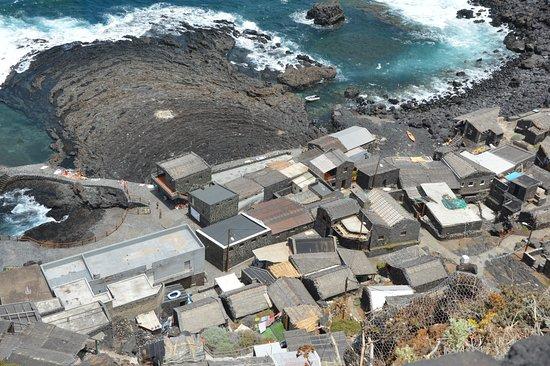 Pozo de las Calcosas: Núcleo de viviendas, de difícil acceso
