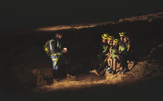 Paramo, Colombia: Estar dentro de nuestra madre naturaleza es algo mágico, el poder vivir estas experiencias de primera mano con toda la flora y fauna que encontramos en la cueva del indio en páramo santander Colombia, pregúntame como puedes visitar esta magnifica caverna que es la mas visitada en Colombia.