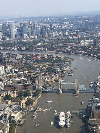 Фотография Central London Helicopter Flight- Shared flight