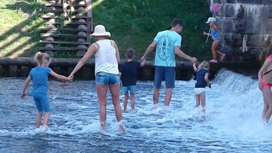 Grodno Region, เบลารุส: Молодёжь на Августовском канале.