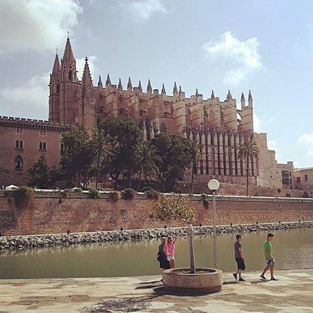 Palma de Mallorca, Spain: Superbe destination, à éviter en pleine saison