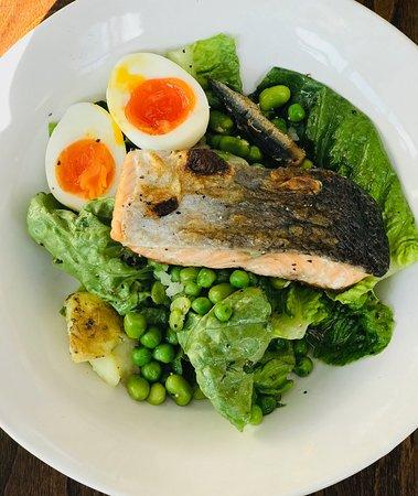 Salmon niçoise salad, Kent scrapers, peas, gem, anchovies (vg)