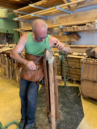 One of the hidden gems Luisella had up her sleeve was a visit to master rowlock maker, Saverio Pastor's workshop. Little has changed in the way Venetian rowlocks are made over the past hundreds of years and Saverio is a master.