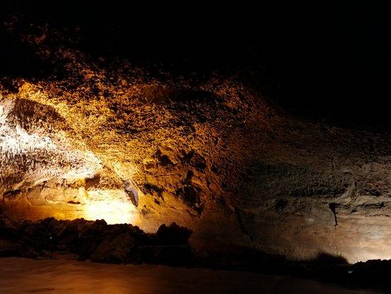 Lanzarote, Tây Ban Nha: Tuvo volcánico de 1 km de profundidad