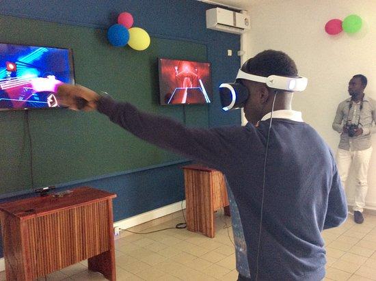 Littoral Region, Kamerun: Unique centre de Réalité virtuelle à Douala, Cameroun