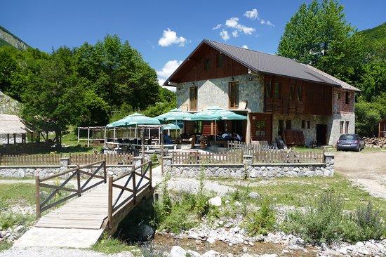 Vusanje, مونتينيغرو: Restaurant Grlja