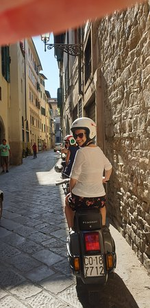 Florence Vespa Tour: Tuscan Hills and Italian Cuisine: Getting ready to go