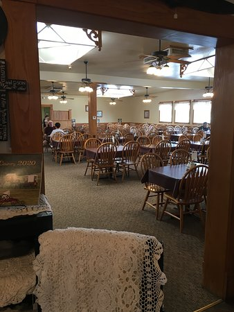 Yoder, KS: Dining area