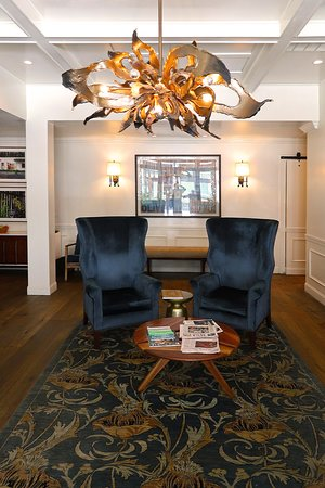 The Oliver Hotel, 407 Union Ave, Knoxville, TN - Lobby