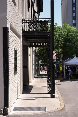 The Oliver Hotel, 407 Union Ave, Knoxville, TN - Entrance Sign