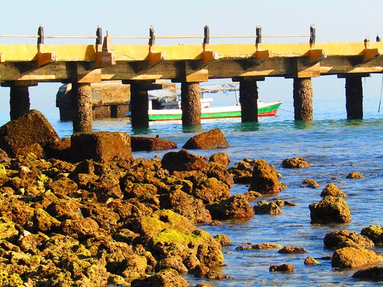 Waitabula, Indonezja: The port of waikelo