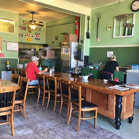 (9/10/18) last day in Somonauk- breakfast with family at Country Kitchen 😋