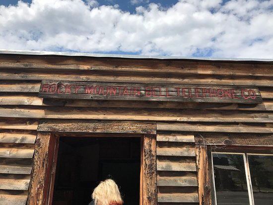 Virginia City National Historic Landmark: small stores that have been somewhat restored.