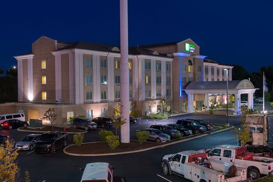 Holiday Inn Express & Suites Dickson City-Scranton: Exterior