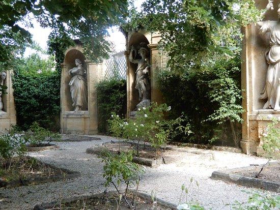 Monument Sec