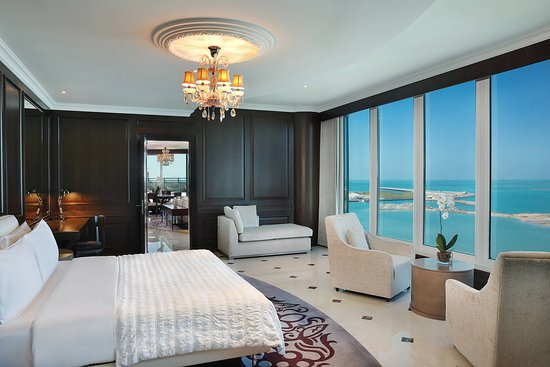 Le Meridien Mina Seyahi Beach Resort & Marina: Suite