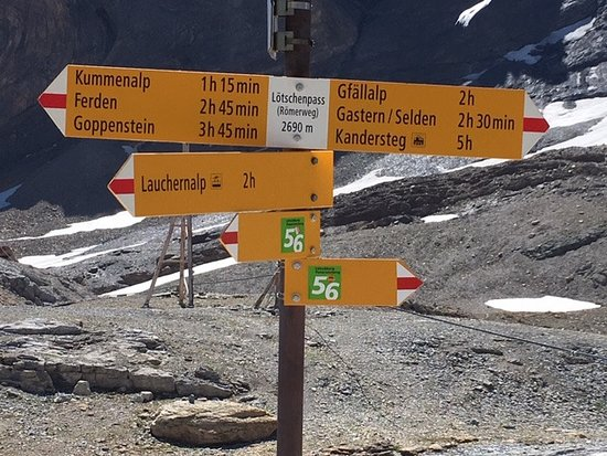 Wiler, Швейцария: Sign post just outside the Hut. Toilet is nearby!