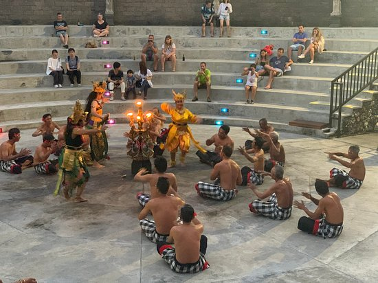 Tanah Lot, Uluwatu & Jimbaran day tour - highly recommend