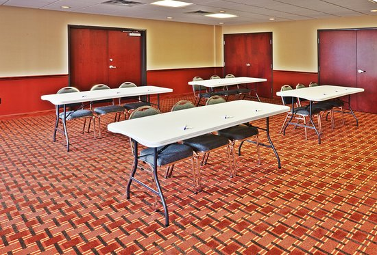 Holiday Inn Express Hotel & Suites Perry: Meeting room