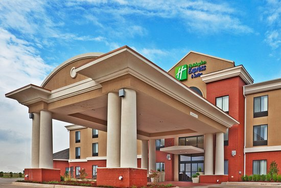 Holiday Inn Express Hotel & Suites Perry: Exterior