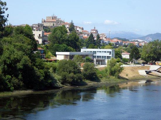 Spanska Tui sedd från bron