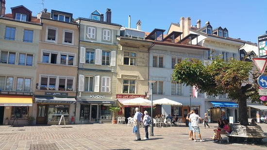 Grand-rue seen from the townhall square