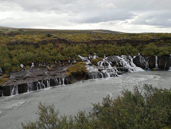 Hraunfossar Lava Waterfall ภาพ