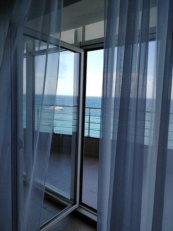 Livadiyskiy Spa & Hotel: Вид из номера